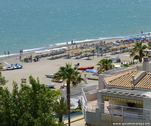 Torremolinos Carihuela, Mar y Playa en Málaga, Costa del Sol, Andalucía, España.