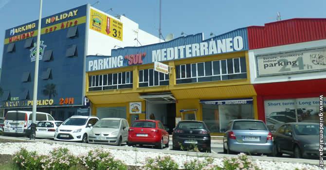 ¿Dónde dejar el coche en el aeropuerto de Málaga?