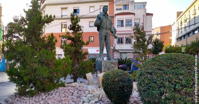 Plaza y Estatua de Miguel de los Reyes, Málaga.